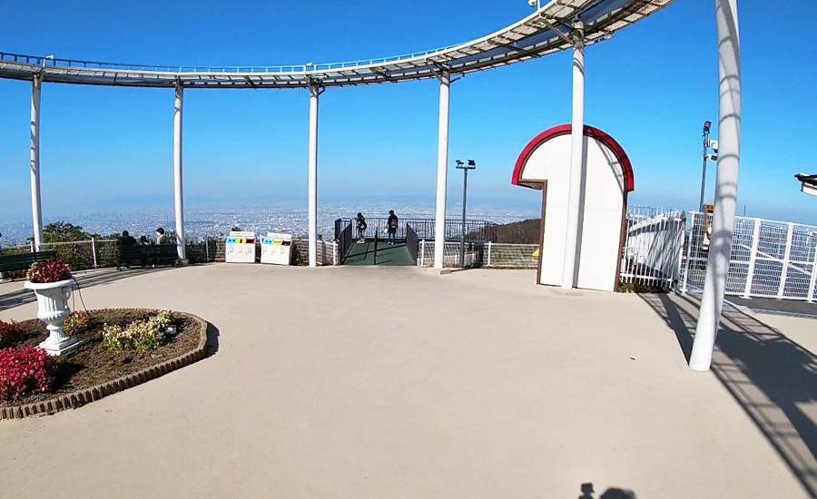 生駒山上遊園地からの空の上のような景色