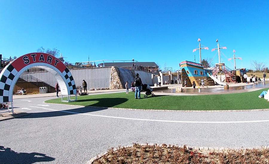 生駒山上遊園地ITADAKIのアドベンチャーレイク1