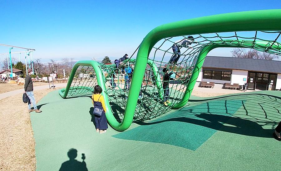 生駒山上遊園地ITADAKIのグリーンウェーブ