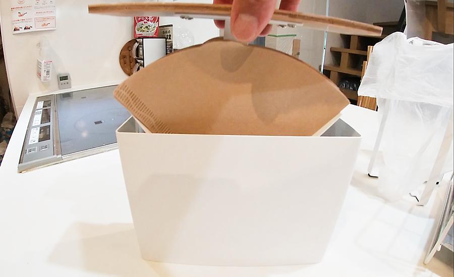 toscaのホワイトとウッドがオシャレなコーヒーフィルターケース