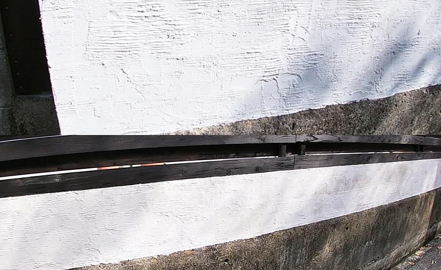 ウッドフェンス下のコンクリートブロックのモルタル塗装が完成